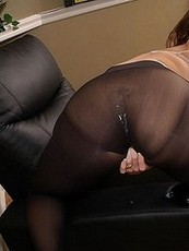 pantyhose stretches