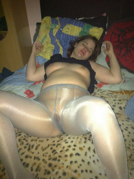 Wearing Pantyhose No Site 2