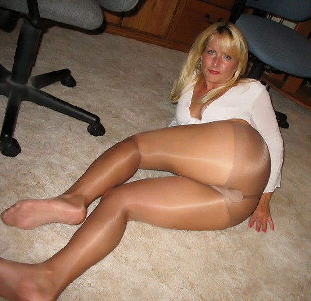 Want mature pantyhose dress tube