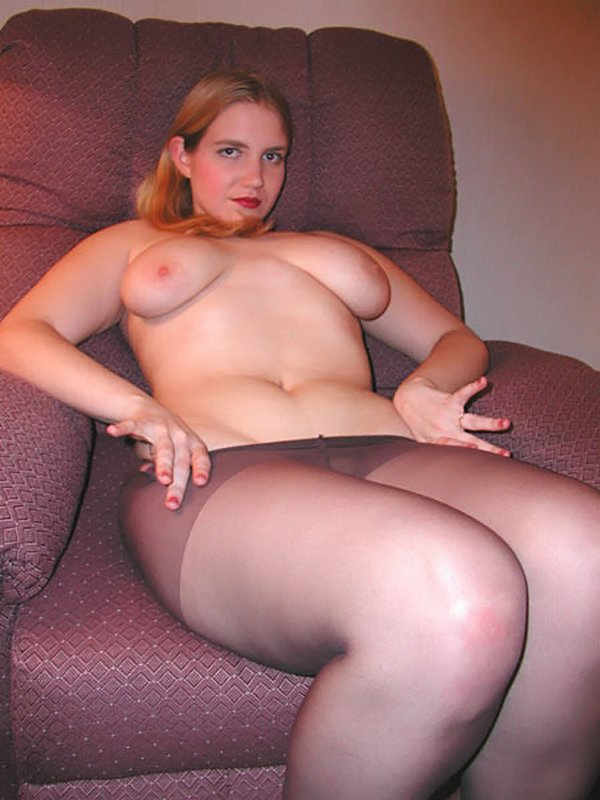 candid mature pantyhose footplay 5