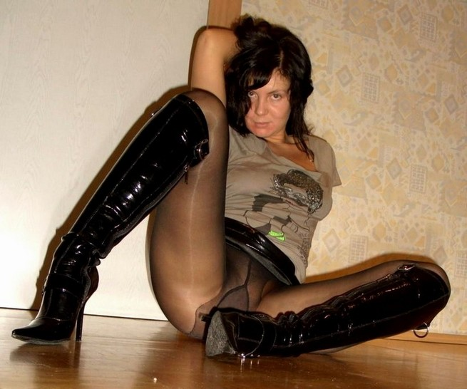 To Mature Pantyhose Gallery Pounce 88